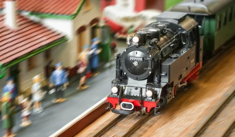 Electric Train Set Review