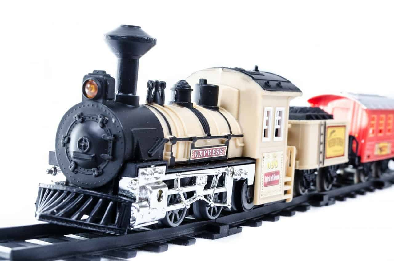 toy train center the ultimate train toy set and model guide. Black Bedroom Furniture Sets. Home Design Ideas