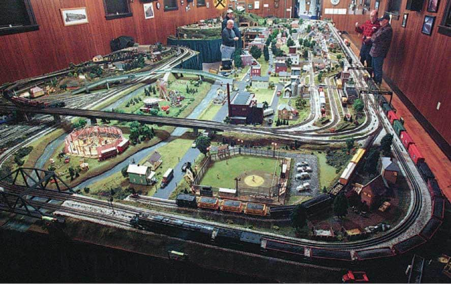 15 Amazing Model Train Layouts [WITH VIDEO] | Toy Train Center